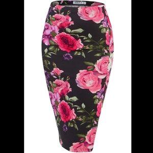 Floral back slit pencil skirt